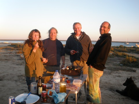 Gabi, Uwe, Joerg, Micha and Nala enjoying the braai and sunshine