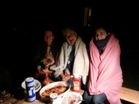 Capucine, Deirdre and Anja out in te cold!