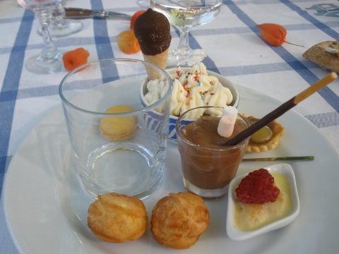 A plate of various delicious desserts.
