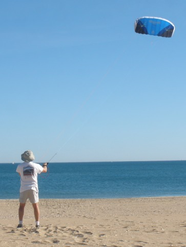 Jörg practicing kiting