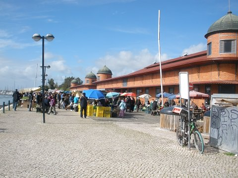 The market and building