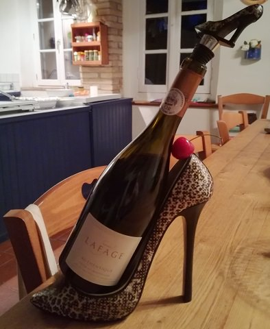 Stiletto bottle holder